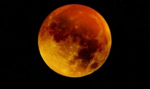 total-eclipse-moon-blood-moon-486x290